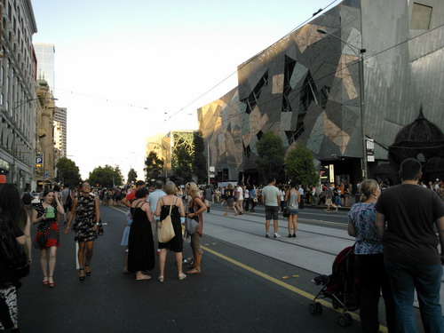 Flinders Street saat White Night Melbourne