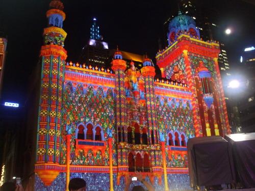 Beberapa Gedung di Flinders St. saat White Night Melbourne