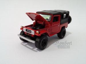 Johnny Lightning 1980 Toyota Land Cruiser J40