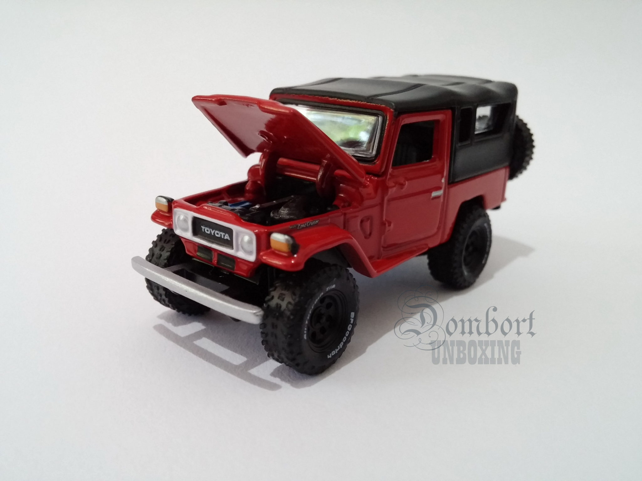 Johnny Lightning 1980 Toyota Land Cruiser J40