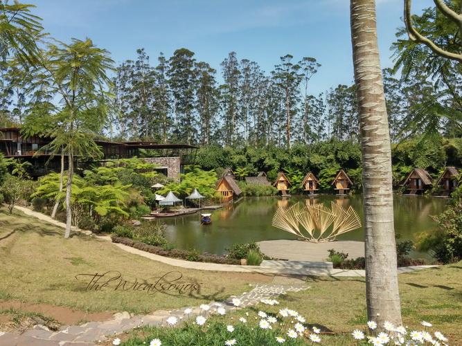 Review Dusun Bambu Lembang
