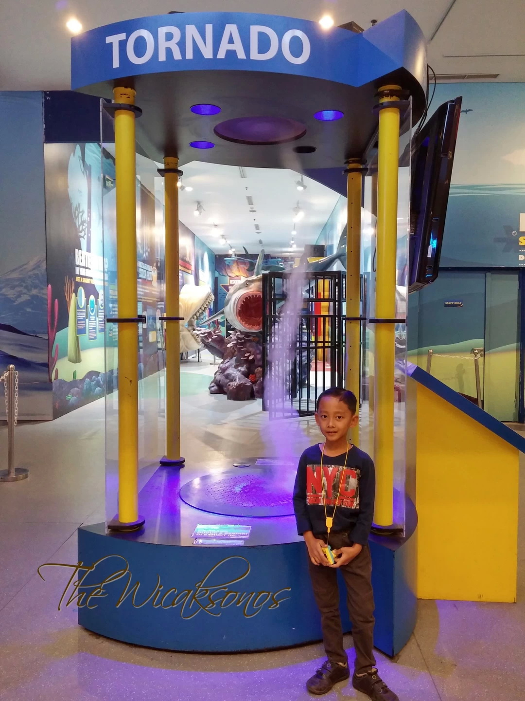 Ocean World Science Center